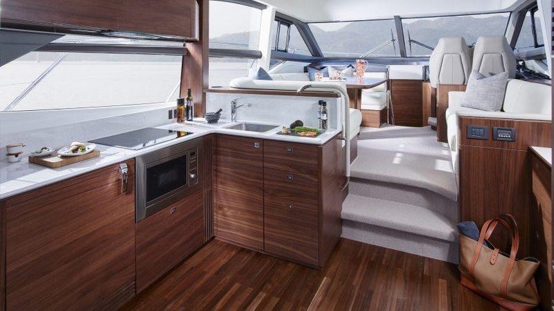 Изготовление и ремонт мебели для яхт